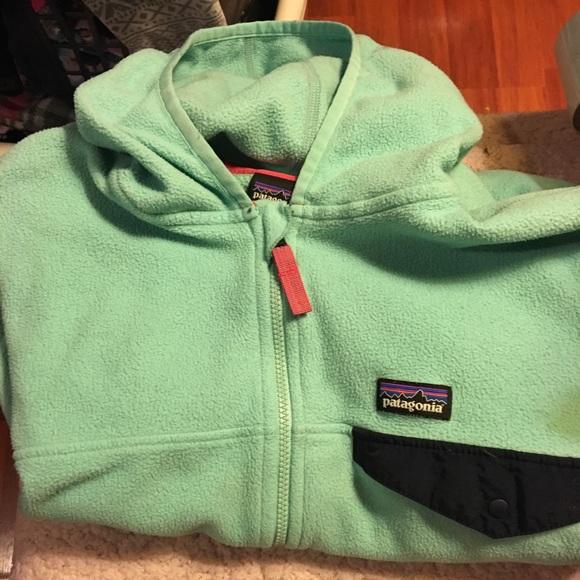 Kids / girls Patagonia zip up sweater